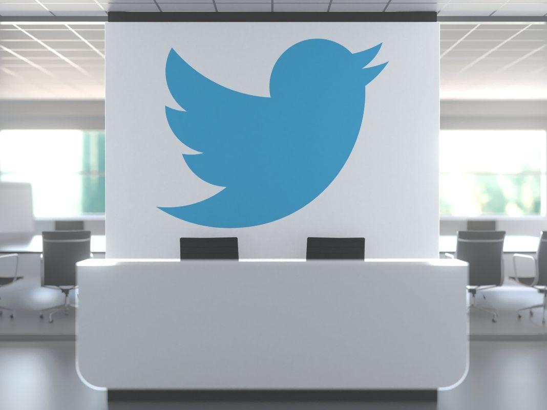 Dimite la directora de Twitter por discrepancias con la política de contenidos