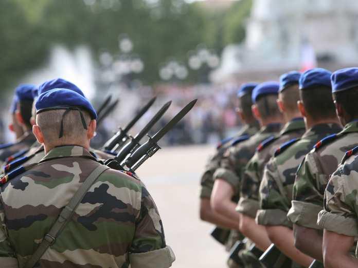 Defensa repatria a 25 militares destinados en Dakar afectados por Covid-19