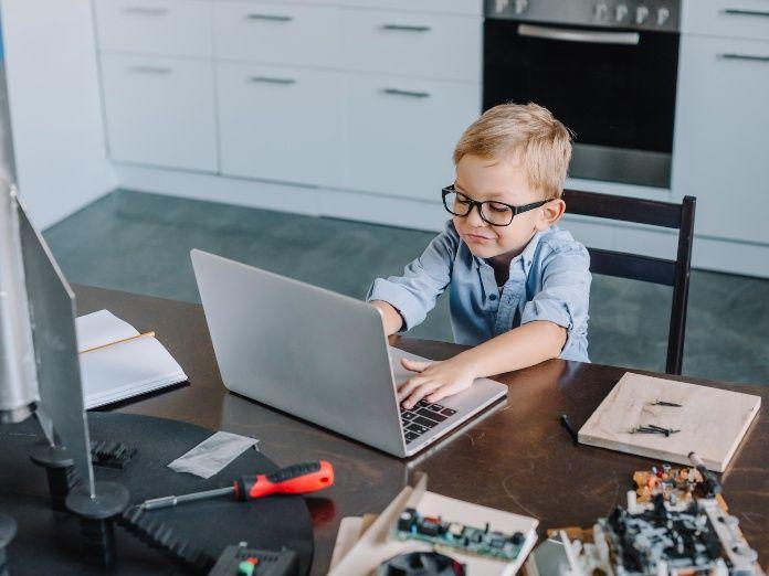 Vuelta al cole: 6 claves para que las clases online sean más seguras