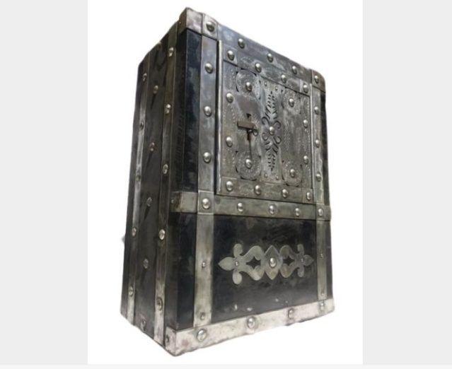 Caja fuerte con secreto del siglo XIX
