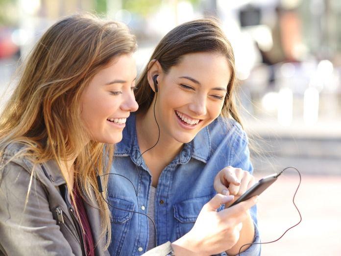 El 15% de los españoles siempre autoriza a las apps el acceso a la cámara y al micrófono