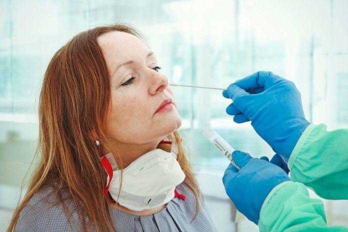 La detección temprana del 50% de los sintomáticos de la Covid-19 y la cuarentena, claves de contención