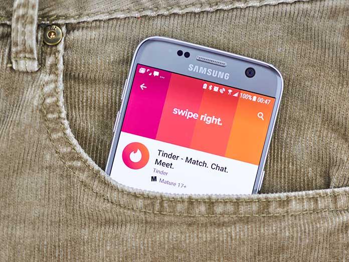Que no te cibeestafen con Tinder: te contamos los trucos para protegerte