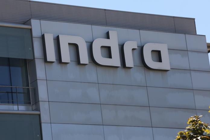Indra presenta a los sindicatos un ERE que podría afectar como mínimo al 10% de sus trabajadores