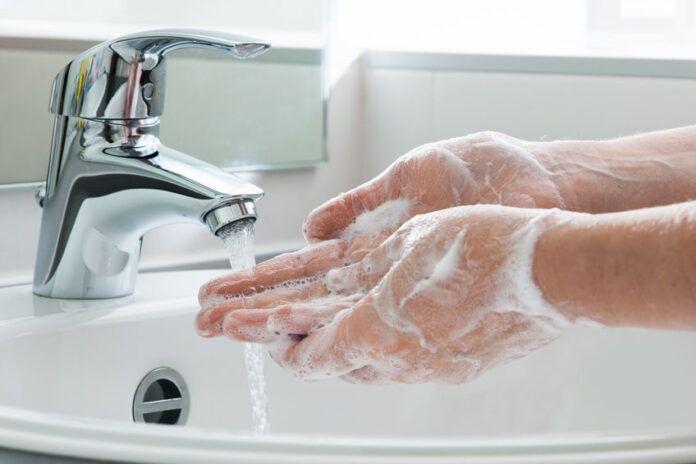 Alertan sobre el riesgo de necrosis en la mano en pacientes Covid-19