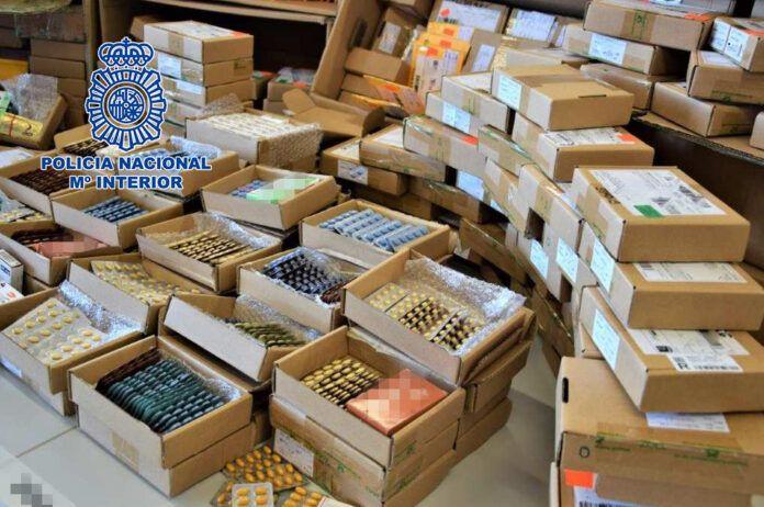 Medicamentos ilegales incautados en una operación contra uno de los principales distribuidores de medicamentos ilegales del mundo