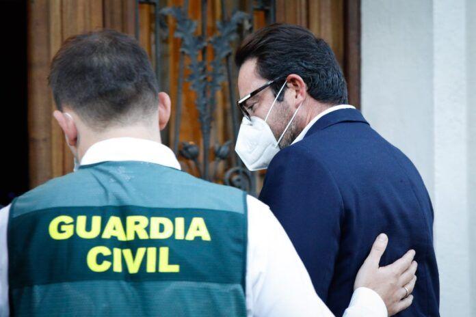 Pasan a disposición judicial nueve de los 30 detenidos por el presunto desvío de fondos al proceso soberanista