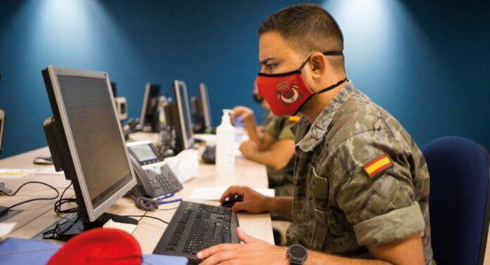 Militar de las Fuerzas Armadas operando como rastreador dentro de la 'Misión Baluarte'