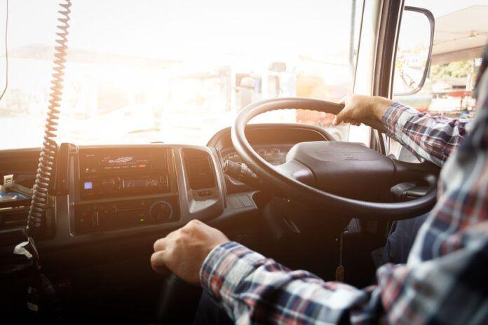 Se rebaja la edad para conducir camiones a 18 años