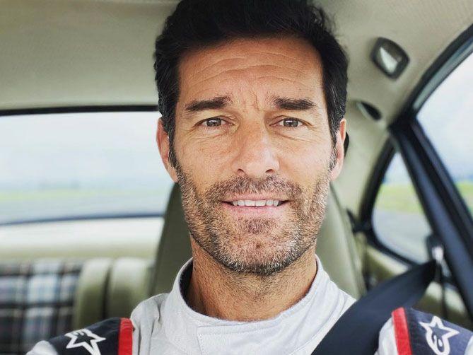 Mark Webber participa en un evento de Commwaultt