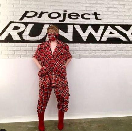 El diseñador llamado Kovid que diseño un traje predictivo, el Covid's look en 2019