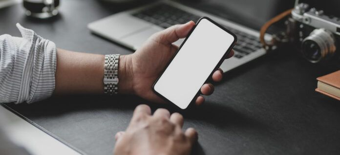 Aprovechan una vulnerabilidad de IPhone para espiar a 36 periodistas y directivos de medios de comunicación