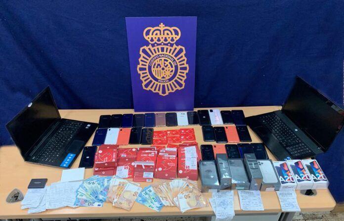 Un detenido en Valencia por robar datos de más de 4.000 tarjetas bancarias por smishing
