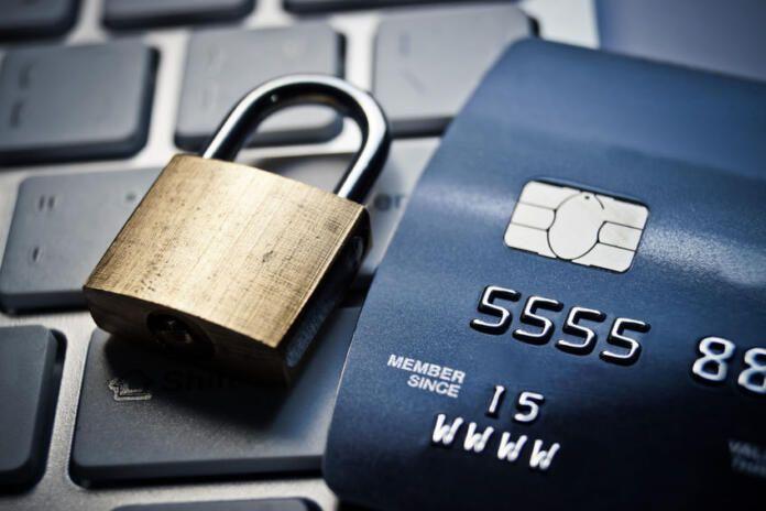Desarticulada una organización que defraudó más de 12.000.000 de euros en tarjetas bancarias