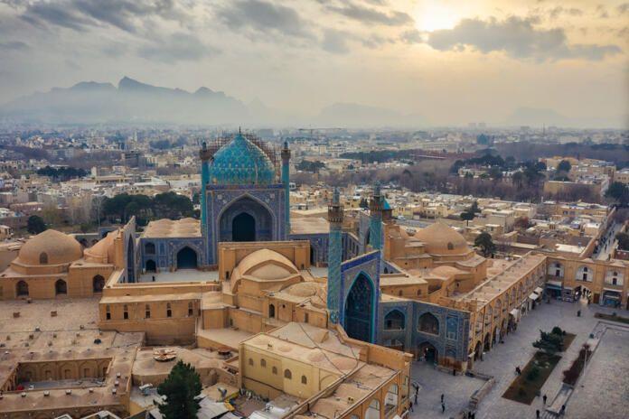 El gobierno iraní sigue espiando a sus disidentes por sus móviles y ordenadores