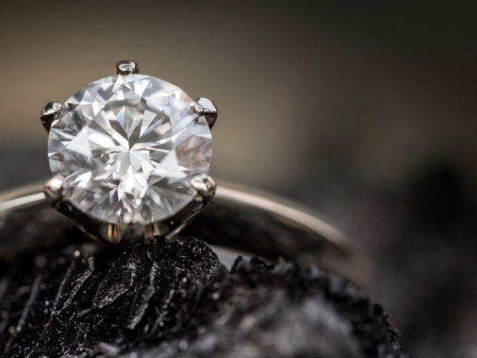 Desarticulada una banda que sustraía diamantes de hasta quince millones de euros mediante el método del Rip Deal