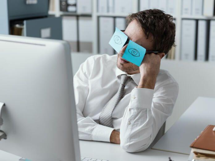 10 vicios que nos hacen menos productivos en el trabajo y en el teletrabajo