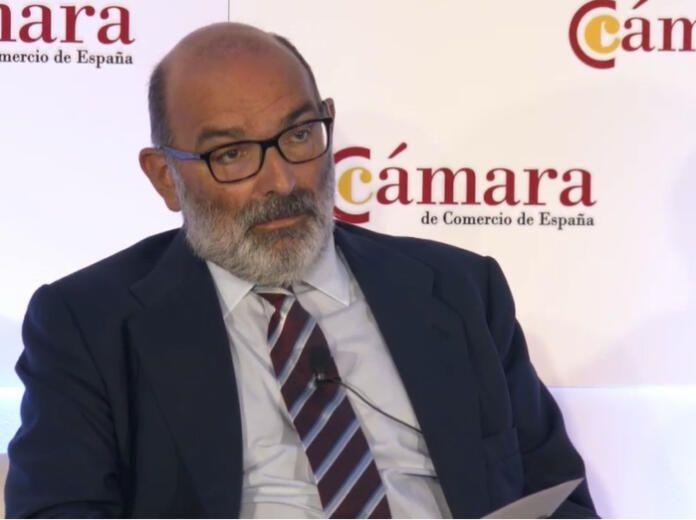 Fernando Abril Martorell se baja el sueldo y también los incentivos