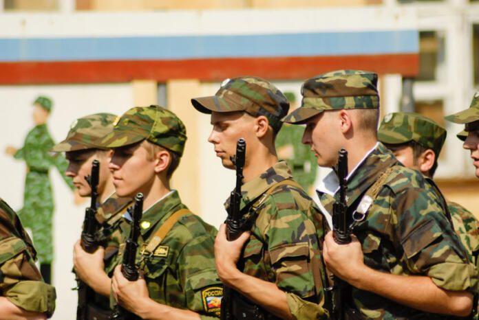 Fuerzas militares rusas podrían adentrarse en el este de Ucrania a mediados de abril