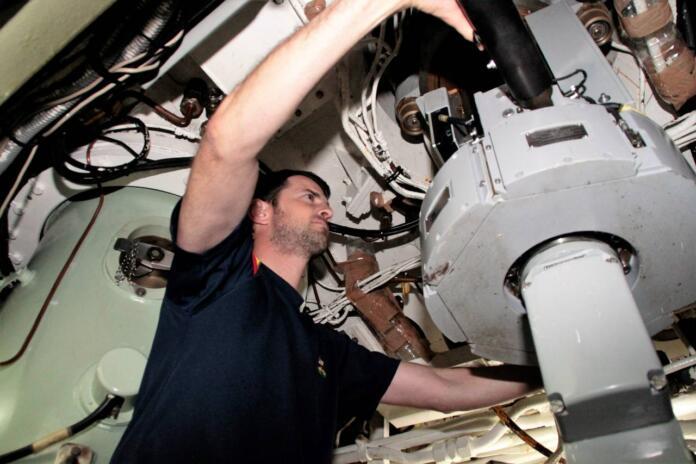 """Manuel Corral: """"Las cualidades necesarias para tripular un submarino son fundamentalmente el valor y la entrega"""""""