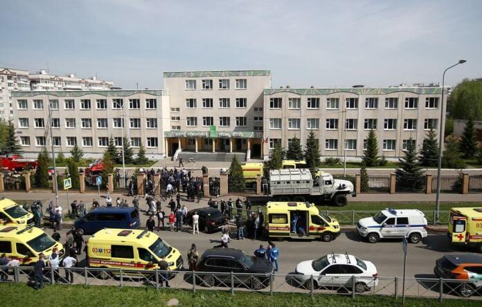 Escuela de Kazán, Rusia, después del tiroteo del 11 de mayo de 2021