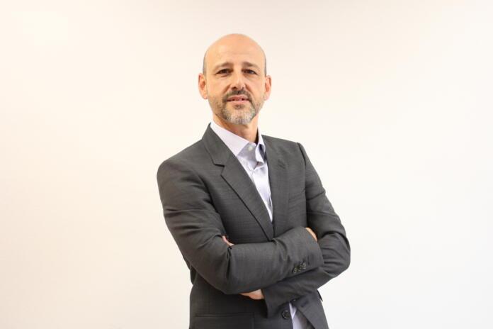Óscar Fuente, director y fundador de IEBS Business School habla de la problemática de los analfabetos digitales