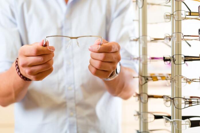 El uso de mascarillas aumenta las intrvenciones para acabar con el uso de gafas