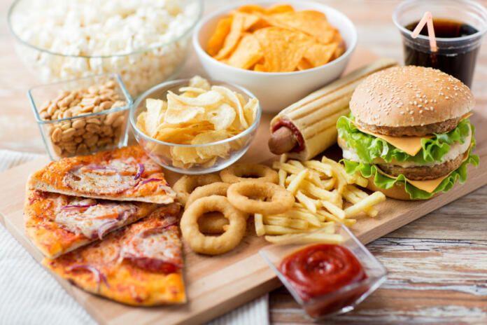 Una dieta alta en calorías empeora la salud mental de las mujeres, según un estudio