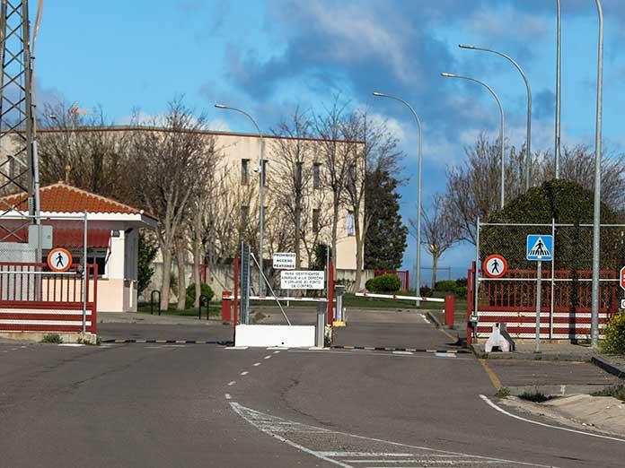 tres funcionarios de prisiones de Valdemoro han sido sancionados por ir a votar en las elecciones de Madrid