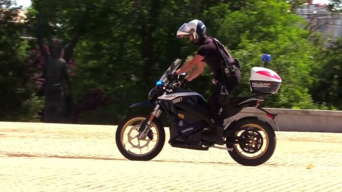 La Policía Nacional se apunta a la transición ecológica con 22 nuevas motocicletas eléctricas