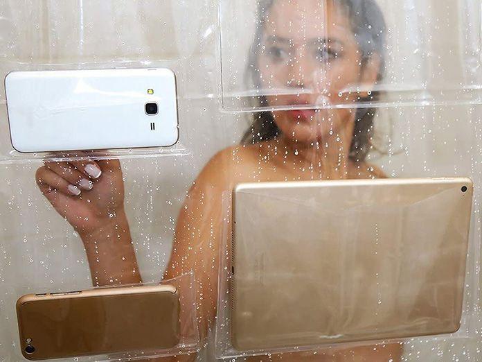Cortina de ducha para seguir teletrabajando en el water