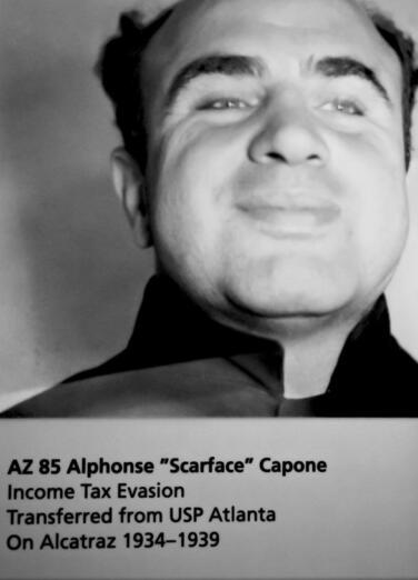 Al Capone, la persona que dio origen a la expresión blanqueo de dinero