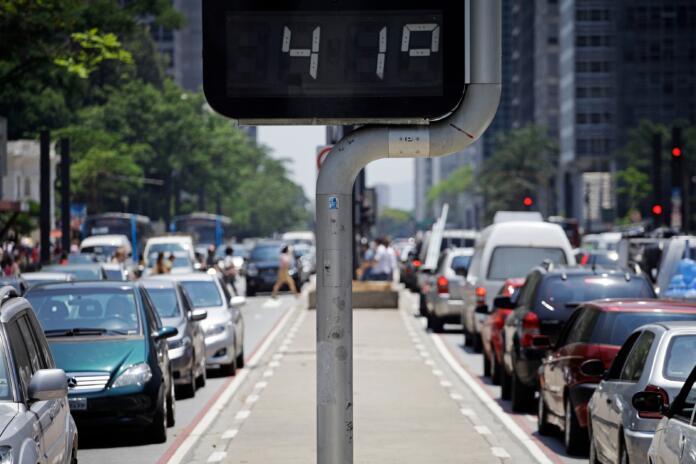 """La mortalidad asociada a altas temperaturas subirá, según el estudio de ISGlobal, centro impulsado por la Fundación """"la Caixa"""". © Shutterstock Nelson Antoine."""