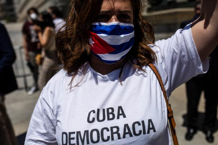 """Sánchez donó a Cuba 57,5 millones en 2019 para """"promover el estado de derecho"""""""
