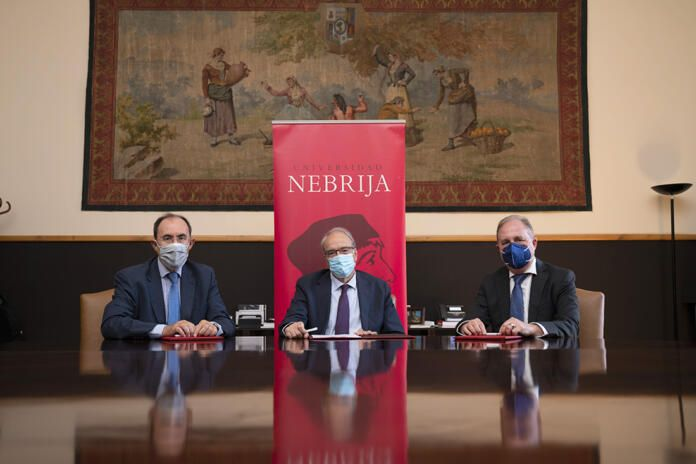 Firma convenio U. Nebrija, Escudo Digital y Dacor Intelligence