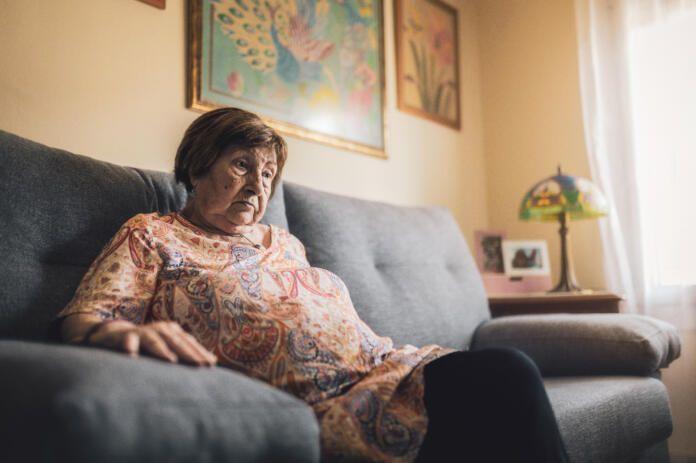 Soledad mayores 55 años confinamiento Covid - Fundación 'La Caixa'