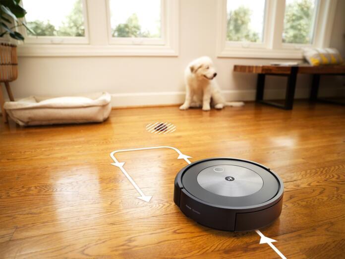 """J7+, un robot tan listo que no se quiere pringar con las cacas de las mascotas y """"las huele"""""""