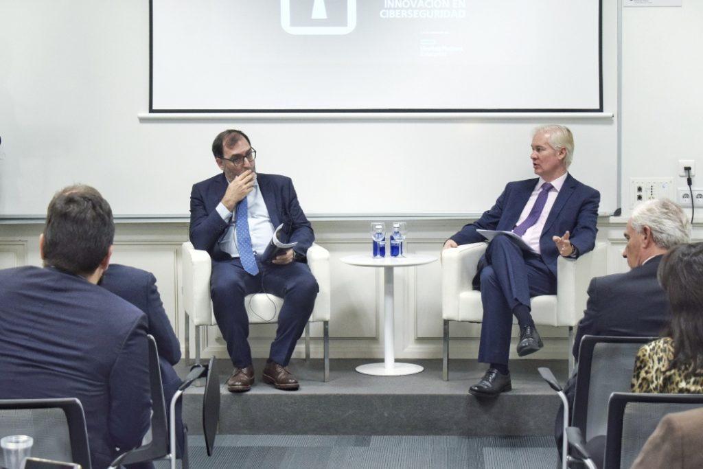 Eloy Velasco y Pedro de la Muela en la Deusto Business School