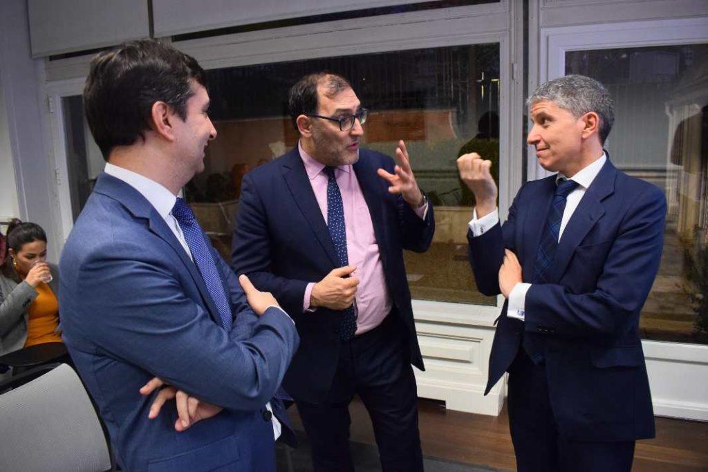 Pedro Pablo García De Ascanio, Compliance officer en Metro Madrid, el magistrado Eloy Velasco, y  Manuel Crespo de la Mata, Compliance officer en Telefónica