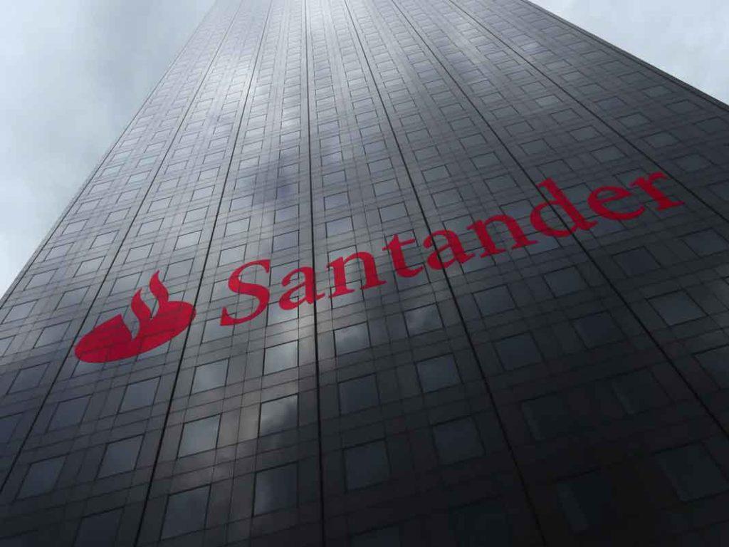 Banco de Santander ayuda a la polbación española y mundial en tiempos del coronavirus