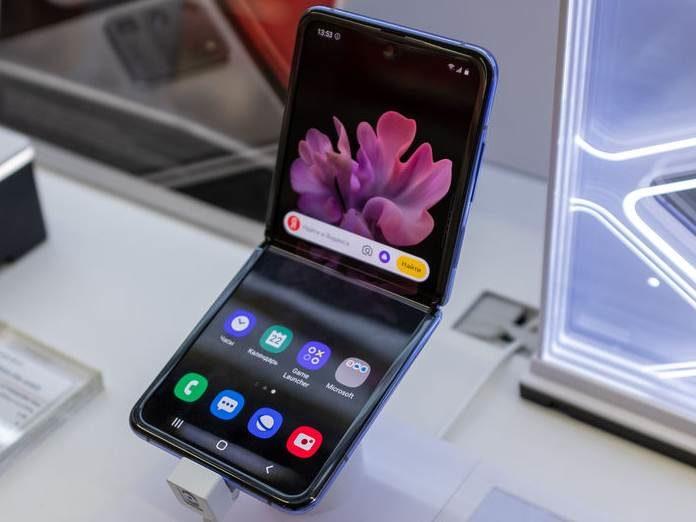 Samsung Galaxy X flip 5g
