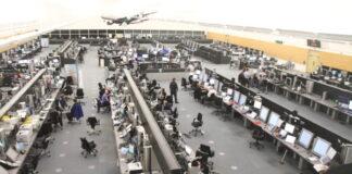 Centro de control del Aeropuerto de Glasgow Prestwick que emplea el sistema iTEC de Indra