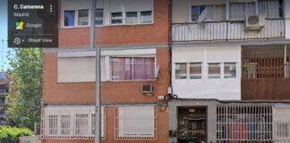 La calle donde murió una mujer en Aluche mientras limpiaba el balcón de nieve