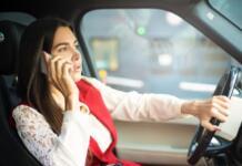 Luis Moya habla del riesgo de usar el móvil conduciendo